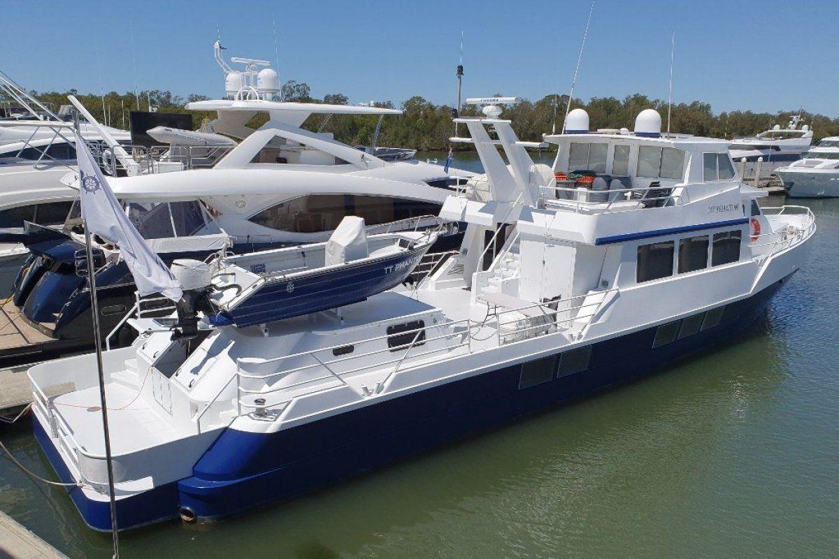 Expedition Long Range Motor Yacht 0 02