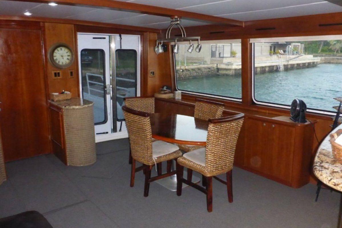 Expedition Long Range Motor Yacht 0 30