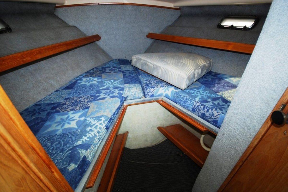 Riviera 27 Flybridge 0 05