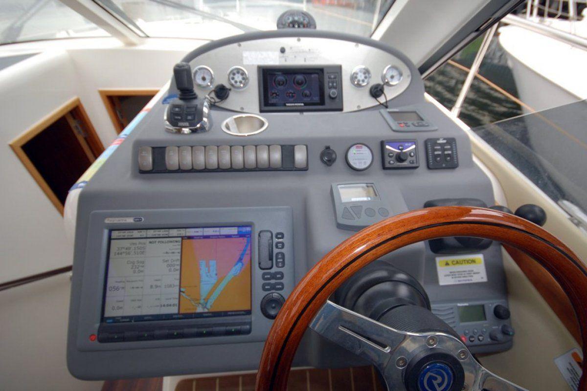Riviera 3600 Sport Yacht 0 16