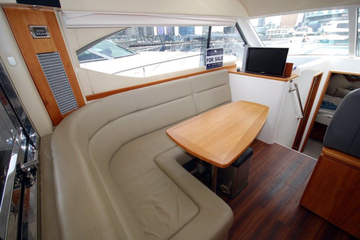 Riviera 3600 Sport Yacht 0 07