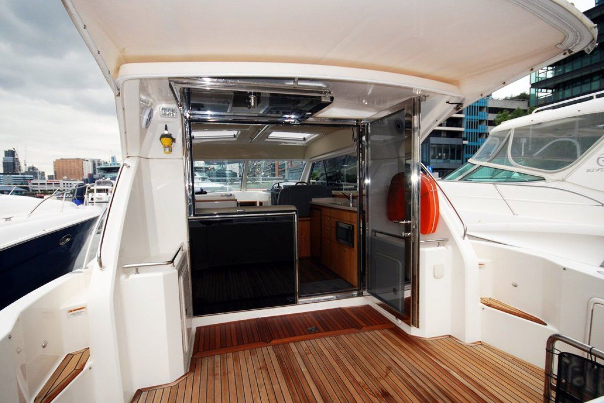 Riviera 3600 Sport Yacht 0 14