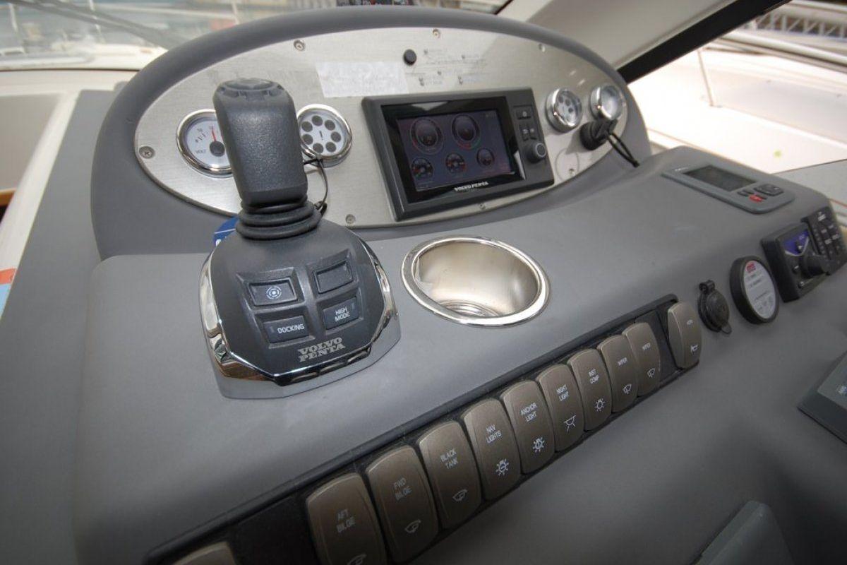 Riviera 3600 Sport Yacht 2012 18