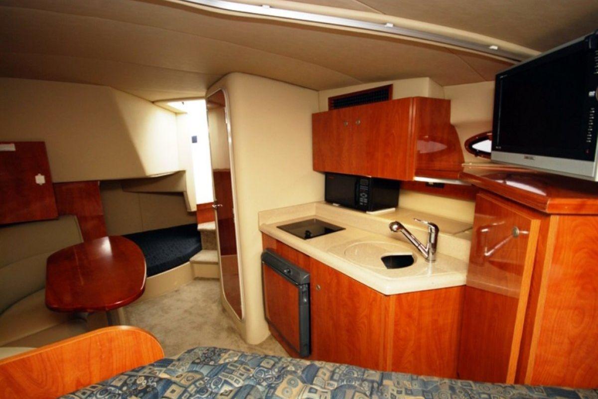 Cruisers Yachts 280cxi 2006 05