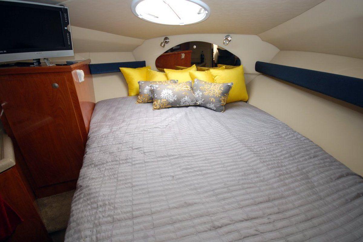 Cruisers Yachts 280cxi 2006 08