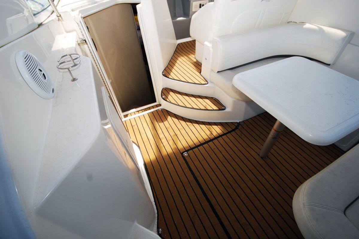 Cruisers Yachts 280cxi 2006 13