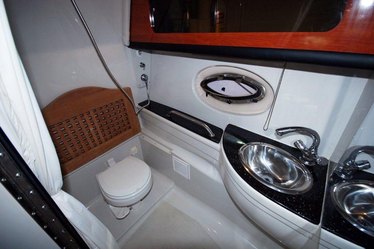 Crownline 350 CR 2007 11