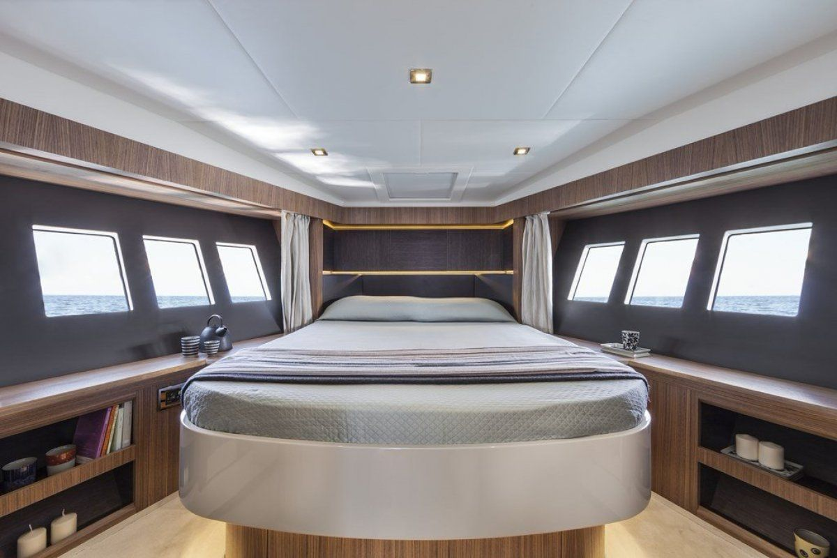 Absolute 45 Sports Yacht 2019 03